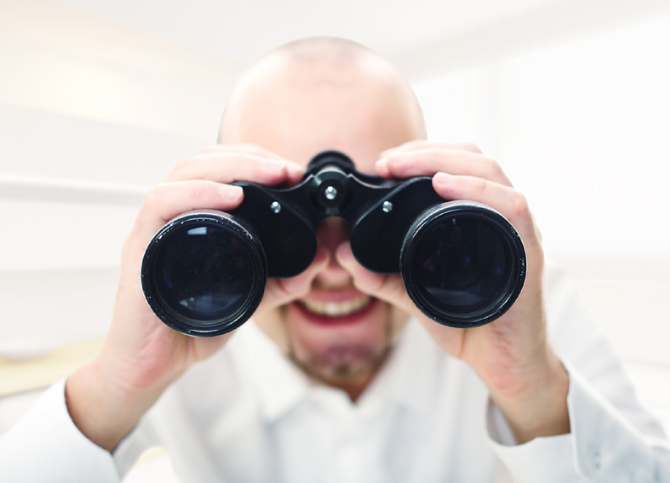 Binoculars | What To Look For When Hiring a SEO Agency